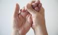 μούδιασμα στα δάχτυλα