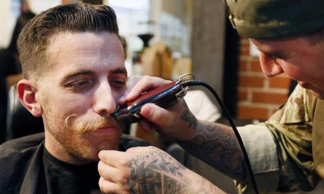 Γιατί επιβάλλεται οι άντρες να αφήνουν μουστάκι κάθε Νοέμβριο ... 042260a8926