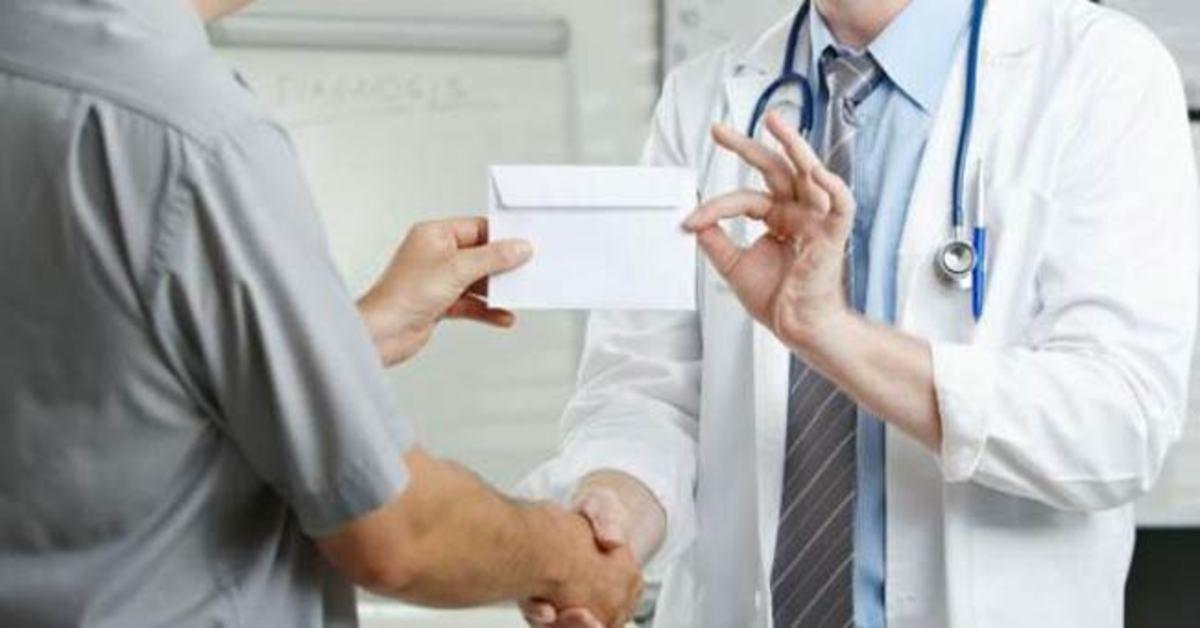 Αποτέλεσμα εικόνας για φακελακι ιατρων