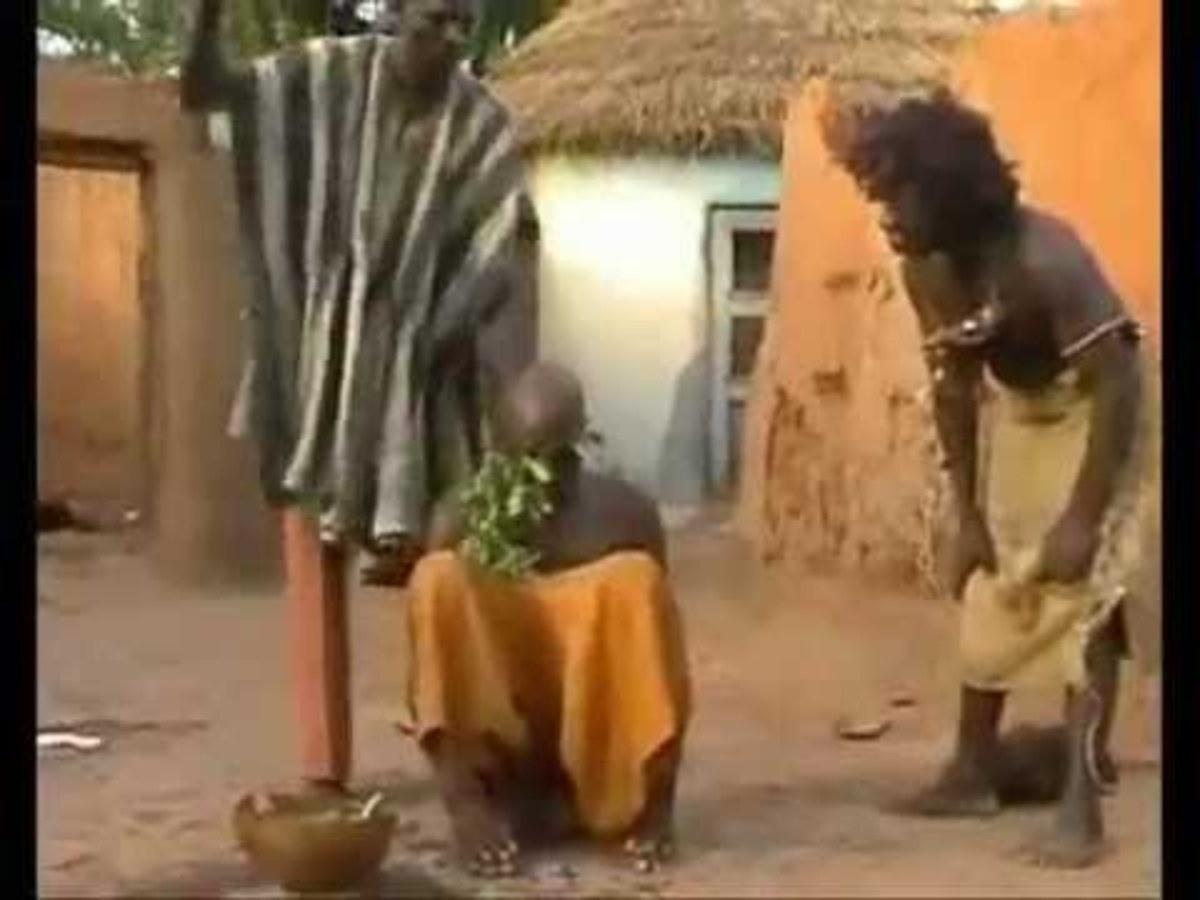 Έτσι θεραπεύουν τον πονοκέφαλο στην Μοζαμβίκη- ΒΙΝΤΕΟ