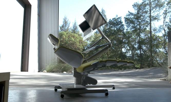 Το ΑΠΟΛΥΤΟ γραφείο για όσους δουλεύουν με υπολογιστή (ΒΙΝΤΕΟ)