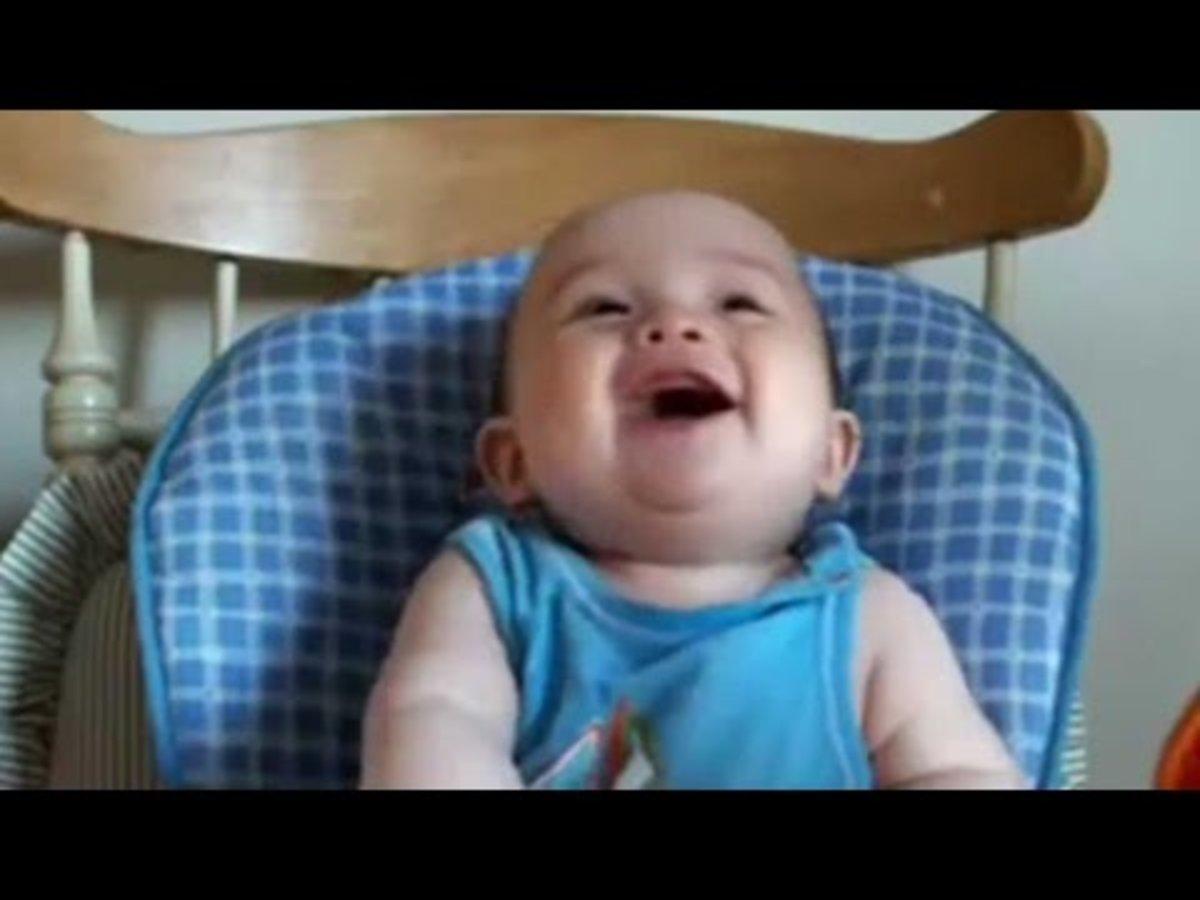 Το παιδικό γέλιο διώχνει πάντα την κατάθλιψη. ΒΙΝΤΕΟ
