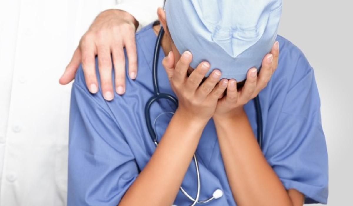 γιατροι και βια