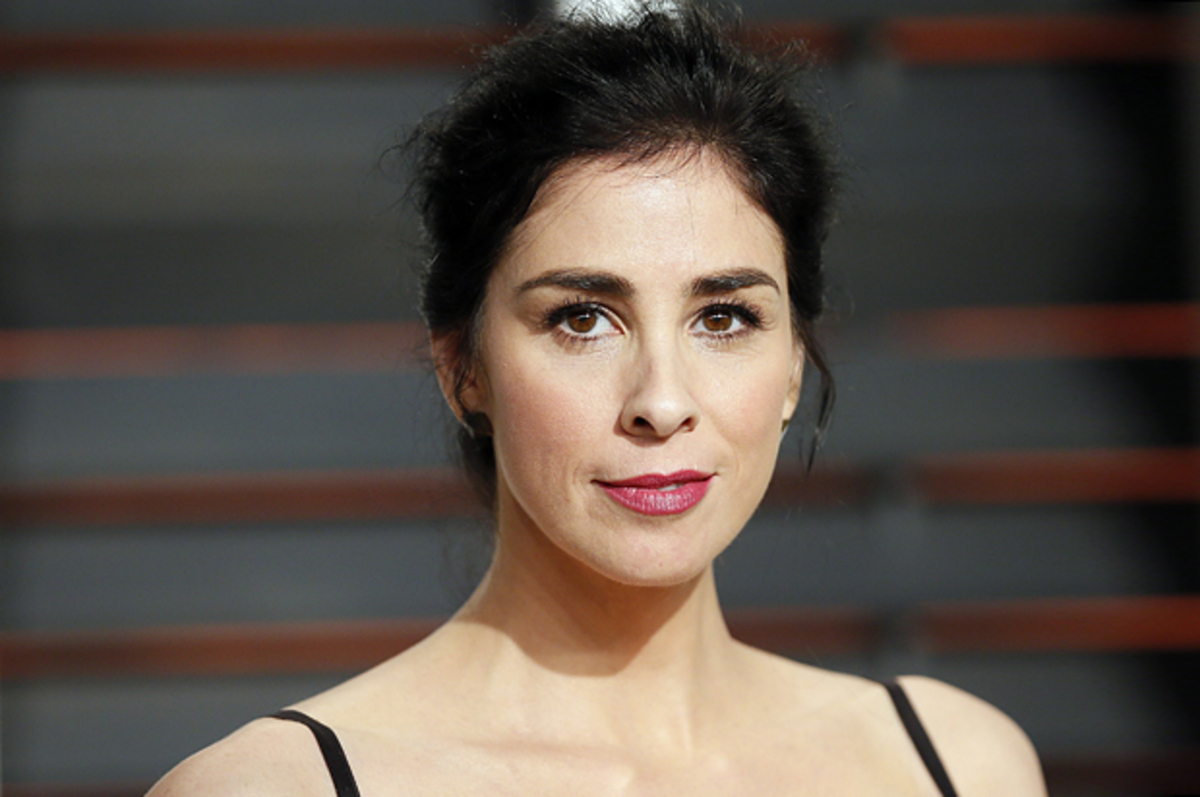 Sarah Silverman arrives at the 2015 Vanity Fair Oscar Party in Beverly Hills