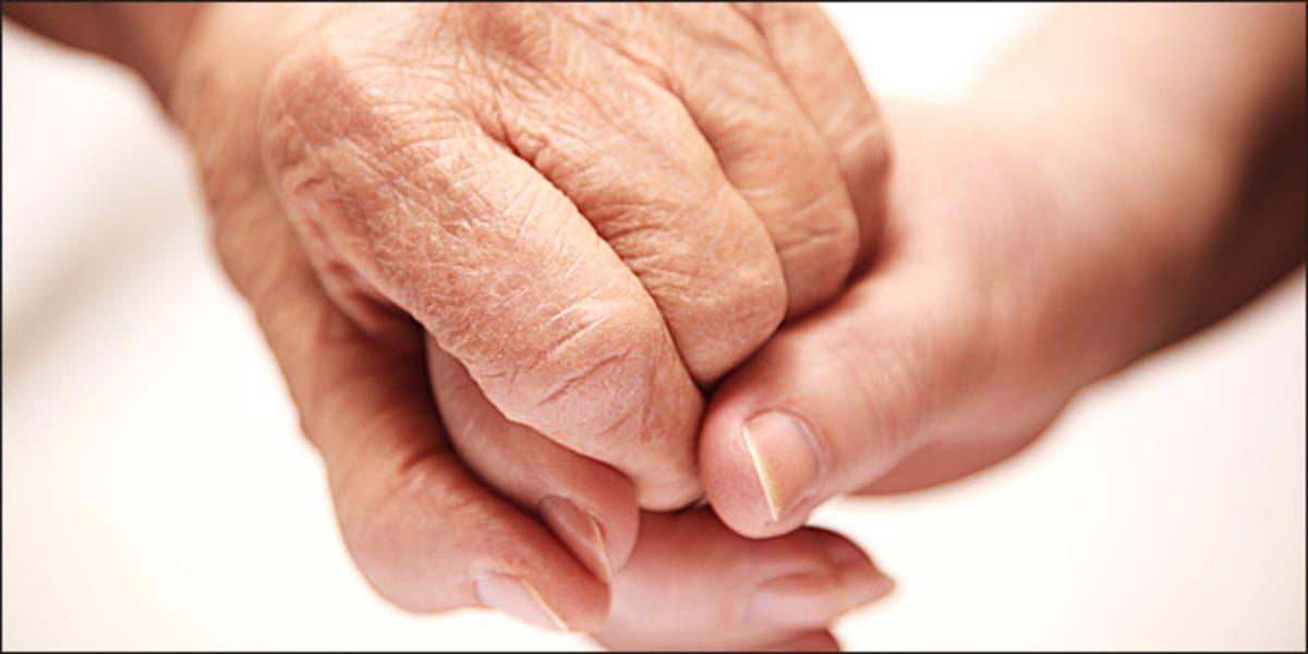 ηλικιωμενοι μονοι
