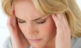 Woman-with-headache