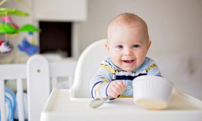4de0fe653a9 Διατροφή του μωρού: Πόσο σημαντική είναι τα πρώτα χρόνια της ζωής ...
