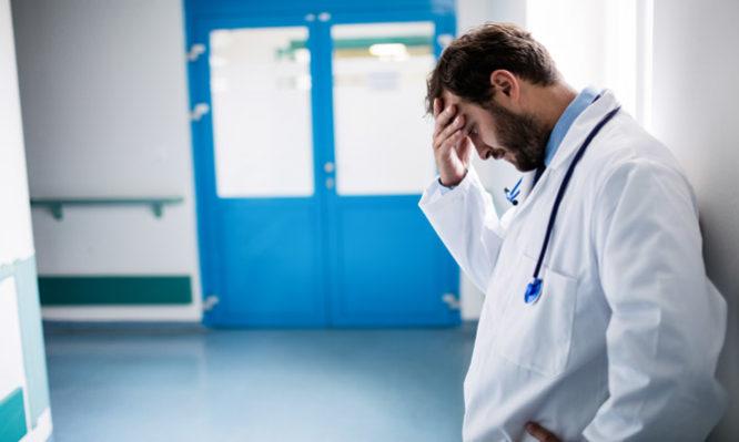 Αποτέλεσμα εικόνας για Δυτική Ελλάδα: Μπάχαλο στα νοσοκομεία – Ανοργανωσιά και κόντρες λόγω ελλείψεων προσωπικού
