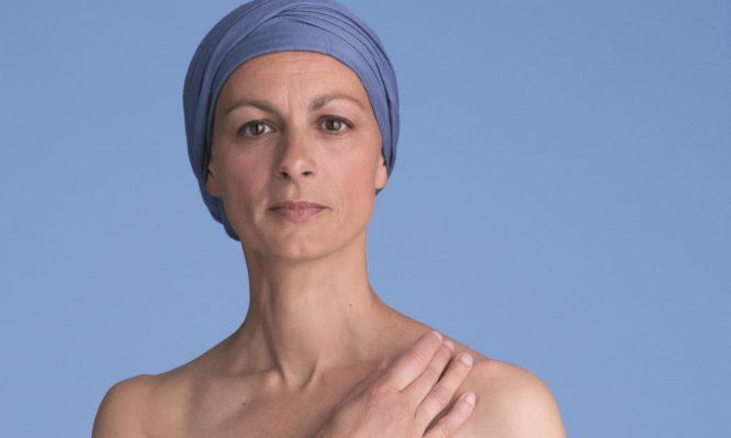 αγκαλιάζω το δέρμα του ασθενούς με καρκίνο